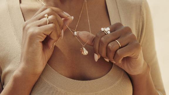 Venus Gold Necklace