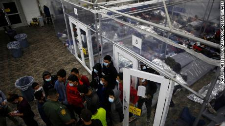 Biden administration plans to speed up court cases for migrant families