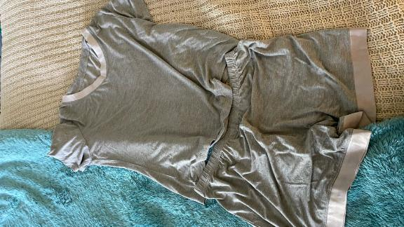 Latuza's Women's V-Neck Short Sleeve Pajama Set