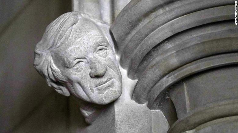 Holocaust survivor and Nobel laureate Elie Wiesel memorialized with bust at Washington National Cathedral