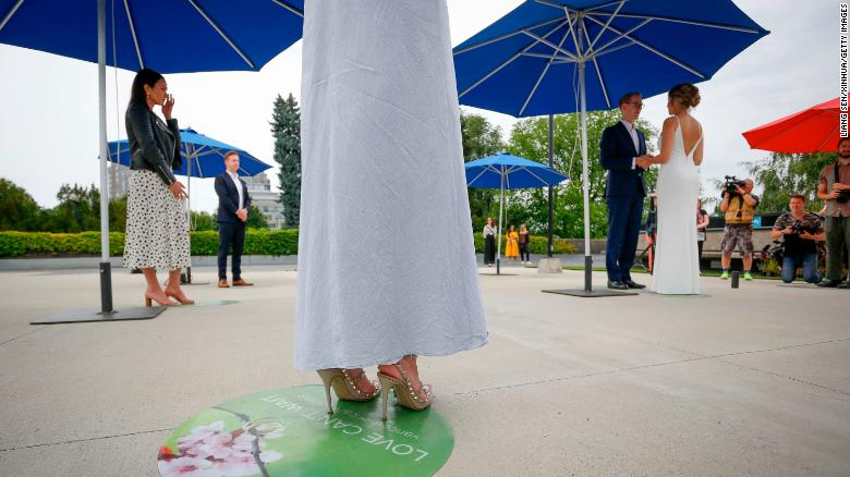 What to do if you're planning or attending a wedding during the pandemic