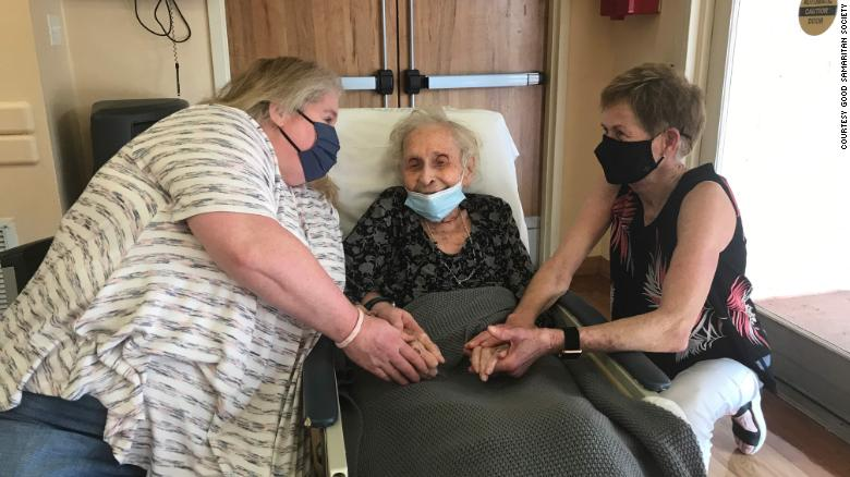 102-year-old nursing home resident gets big hugs and kisses from vaccinated loved ones after two years apart