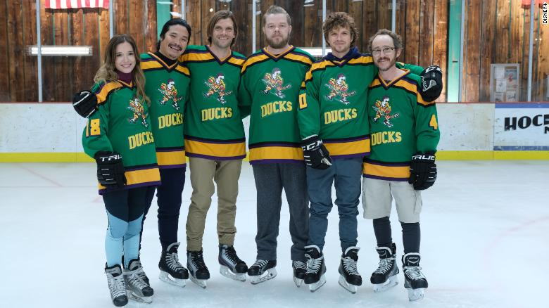 """""""Mighty Ducks: Game Changers"""" stages reunion with possibly more familiar faces to come — and maybe Aaron Rogers"""