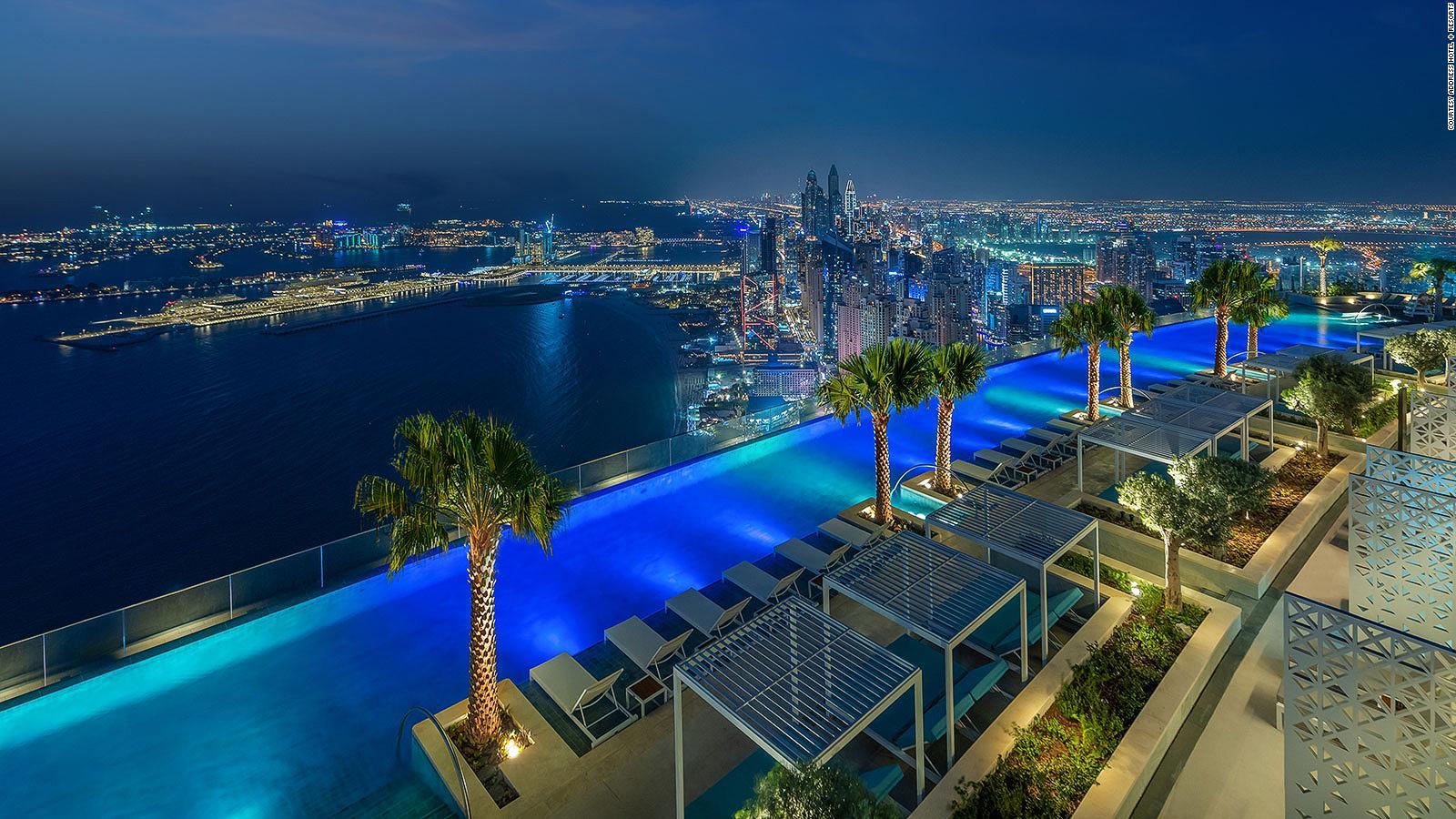 World's highest infinity pool