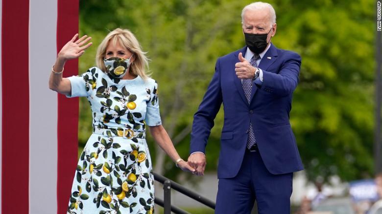 Biden visits Virginia schools as latest part of economic pitch