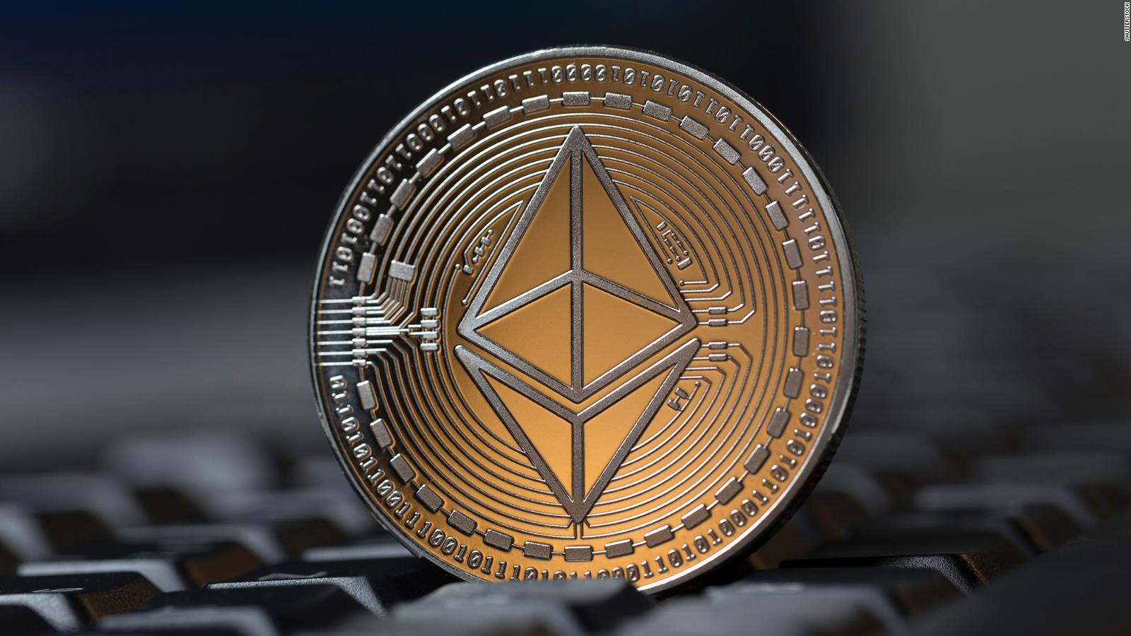 Ethereum vs Bitcoin: care este o investiţie mai bună în 2021?