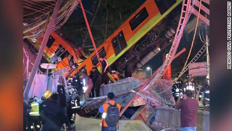 Video shows moment Mexico City metro overpass collapses