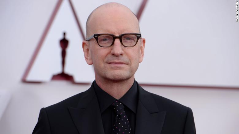 Steven Soderbergh explains exactly why they switched up the Oscars ending