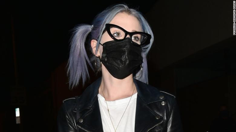 Kelly Osbourne and her sister don't talk