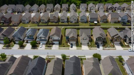 Mortgage rates are falling again