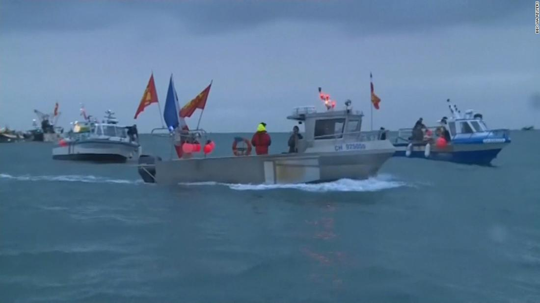 See French and UK boats sent to Jersey over fishing feud