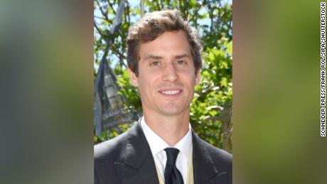 Le prince Emanuel von und zu Liechtenstein est le neveu du prince régnant du Liechtenstein.