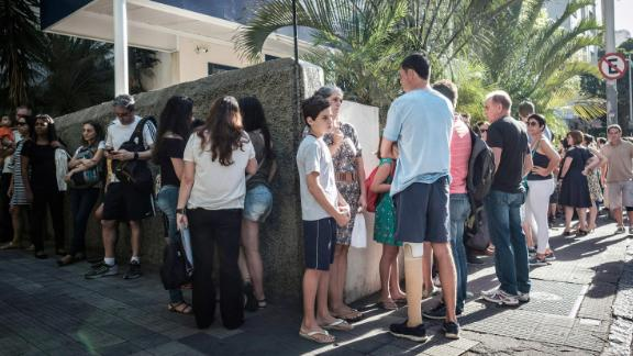 People line up in 2017 to receive yellow fever shots in Rio de Janeiro.