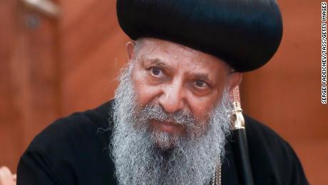 Le patriarche de l'Église orthodoxe éthiopienne, Abune Mathias, regarde lors d'une réunion avec le ministre russe des Affaires étrangères de l'époque, Sergueï Lavrov, à Moscou en mai 2018.