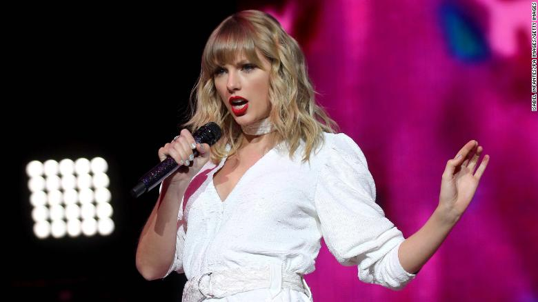 Taylor Swift becomes first woman to win BRITs Global Icon award