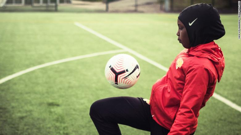 Top women's league in Finland donates sport hijabs to any player who wants one