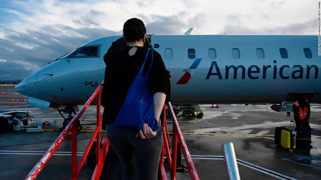 Airline groups want the Justice Department to punish unruly passengers