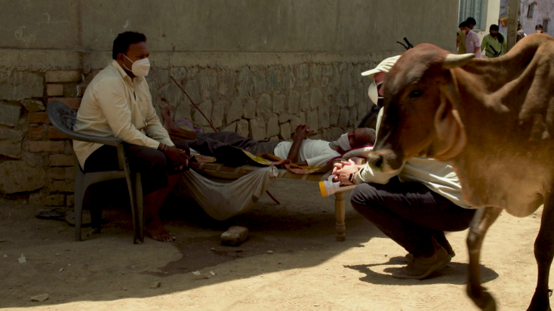 India Gujurat village coronavirus Covid-19 Kiley pkg intl hnk vpx_00030706