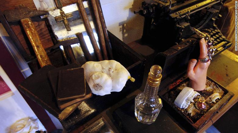 """Garlic -- supposedly the most popular """"vampire repellent"""" -- is displayed in the world's first vampire museum in Paris on April 1, 2005."""