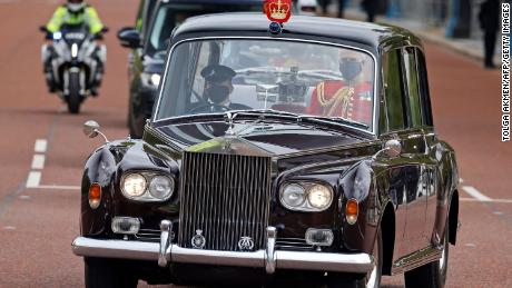 The Imperial State Crown is driven back to Buckingham Palace after the event.