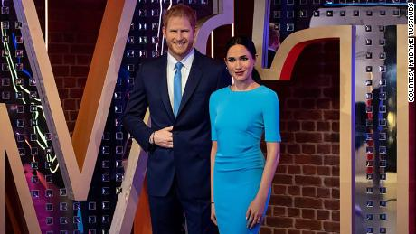 Waxworks of Harry and Meghan