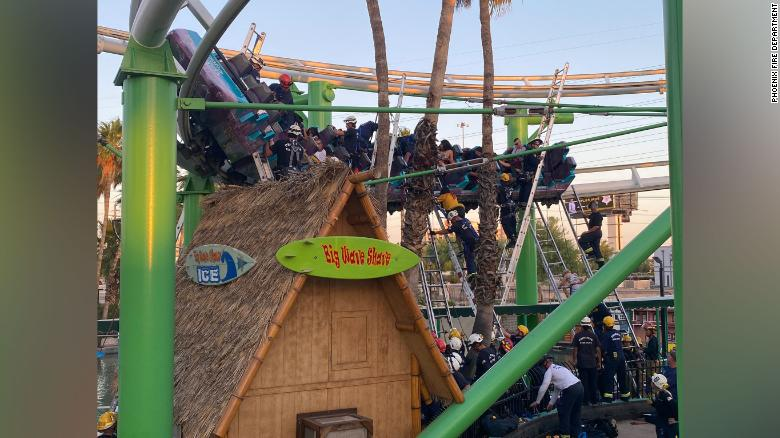 Roller coaster stalls out mid-ride, stranding passengers 20 feet in the air