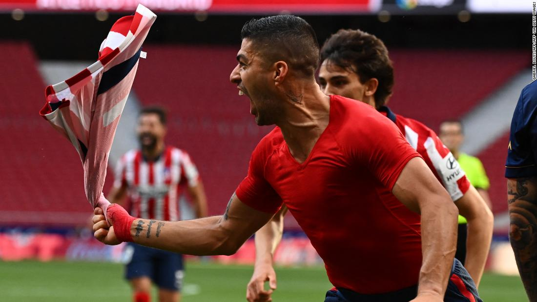 Euro football roundup: Atlético Madrid closes in on La Liga title with dramatic comeback