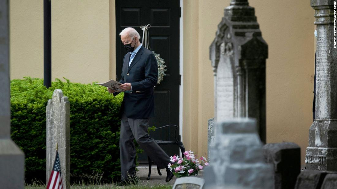 Opinion: A priest's big question for Catholic bishops isn't really about Biden and Communion