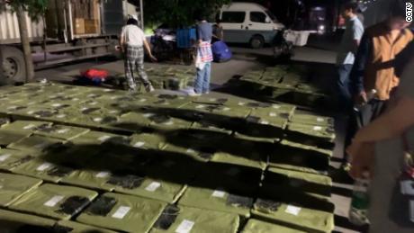 Love Home a trouvé environ 160 jeunes chiens et chats coincés dans des boîtes dans le camion qu'ils ont attaqué le 3 mai, dont certains étaient déjà morts.