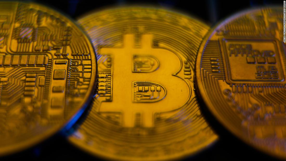 trader bitcoin in fuga cnn