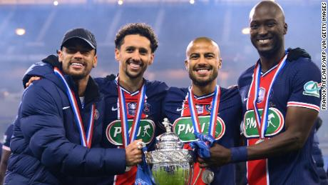 Il Paris Saint-Germain festeggia la vittoria della Coupe de France.