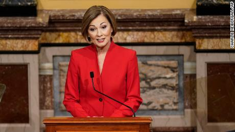 Iowa governor signs bill banning mask warrants in schools and businesses
