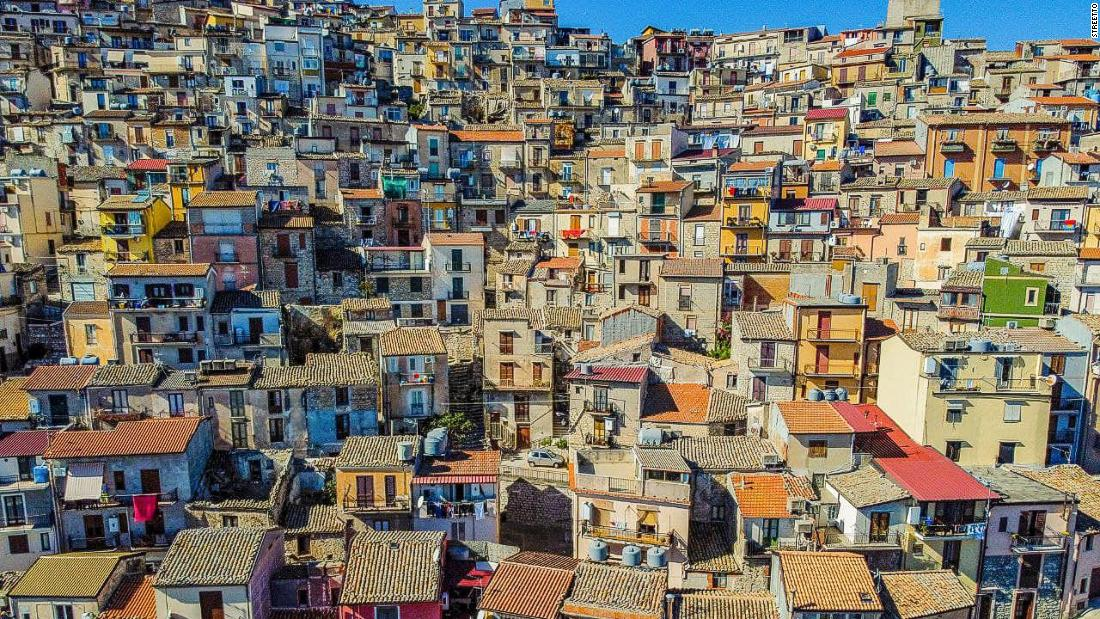 The millennials using Covid to change Sicily's €1 home schemes