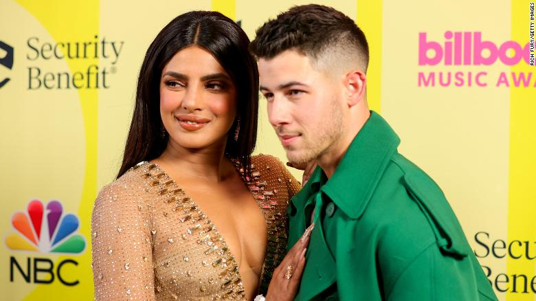 Priyanka Chopra and Nick Jonas post loving messages to each other following the Billboard Music Awards