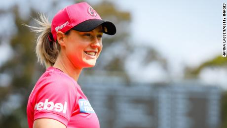 Perry plays in the Women's Big Bash League match between the Sydney Sixers and the Hobart Hurricanes at North Sydney Oval on November 7 last year.