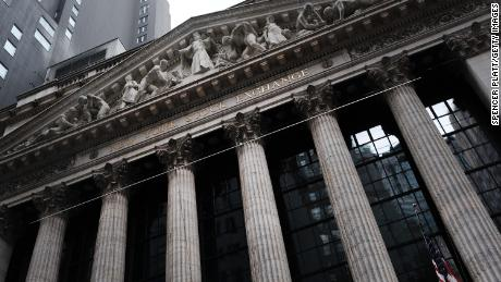 Les rendements obligataires chutent alors que l'anxiété de Covid s'empare à nouveau des marchés
