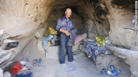 Le berger Zhu Keming a sauvé Zhang Xiaotao et cinq autres coureurs lors du marathon le plus meurtrier de Chine de l'histoire récente.