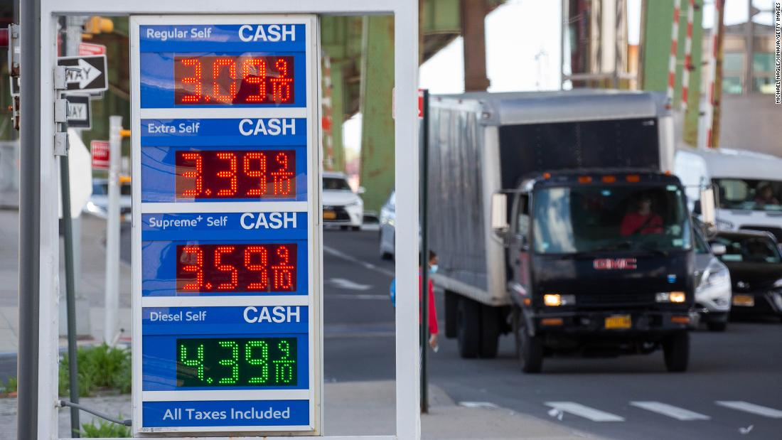Gas prices surge past $3. Here's where gas is most expensive — and cheapest — for Memorial Day – CNN