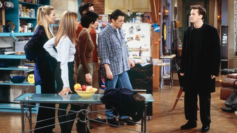 Matthew Perry says he had major anxiety while filming 'Friends' — and nobody else knew