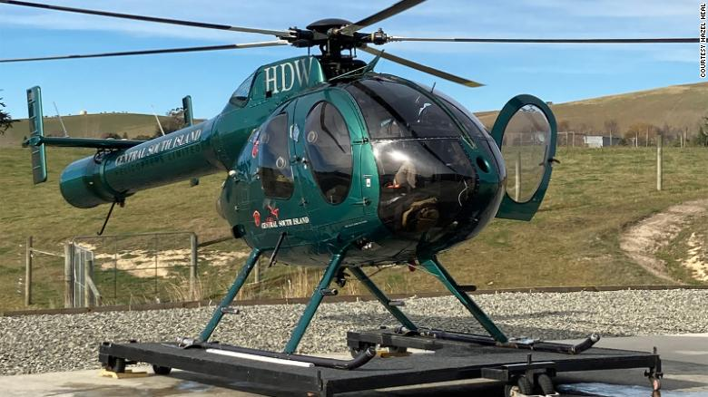New Zealand fugitive charters helicopter to turn himself in