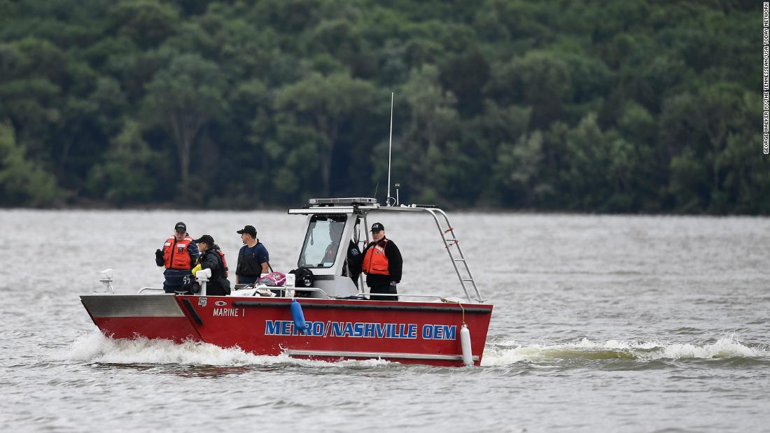 7 people are presumed dead after a small plane crashed into a lake near Nashville – CNN