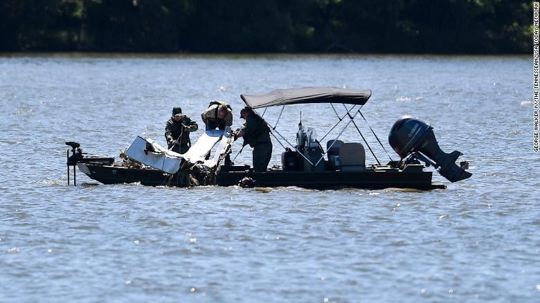 Christian diet guru and church founder Gwen Shamblin Lara among 7 presumed dead in plane crash