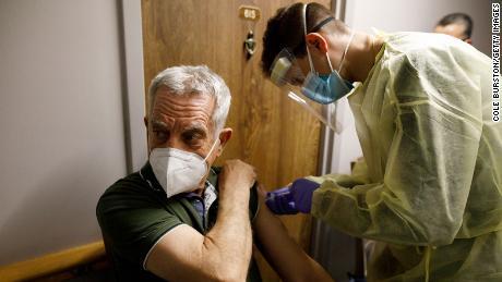Die Kombination von Coronavirus-Impfstoffmarken ist in Ordnung, sagt Kanada