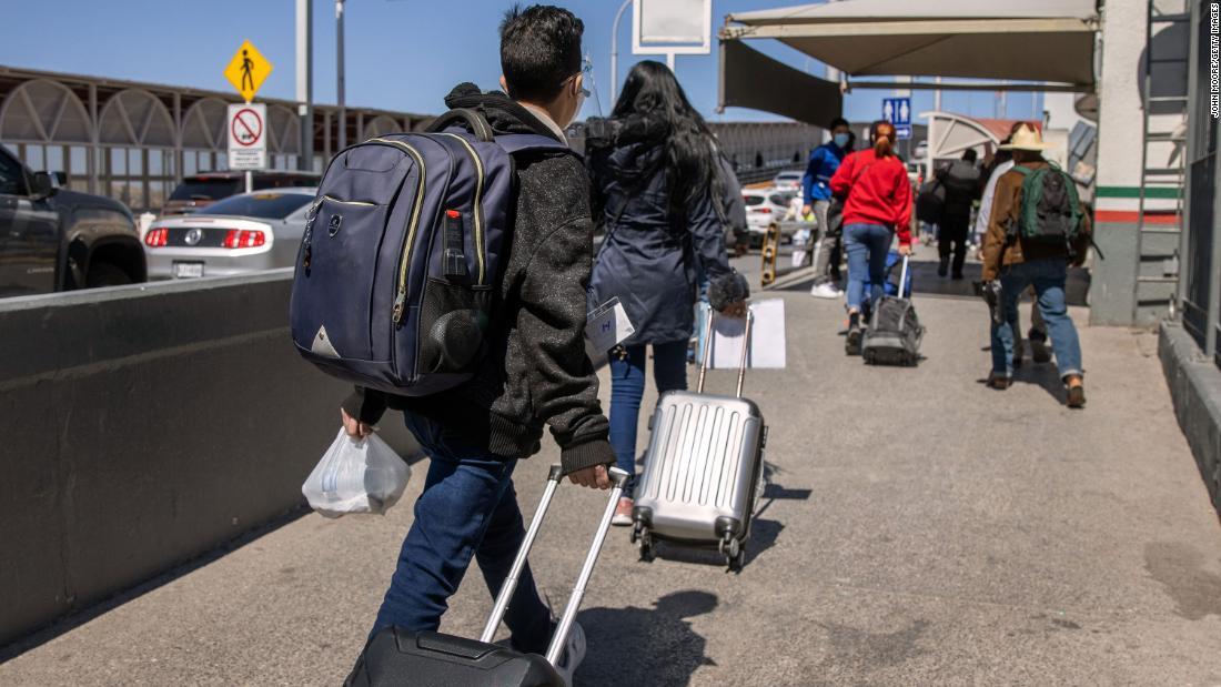 210601182005 01 asylum seekers crossing border 0317 super tease