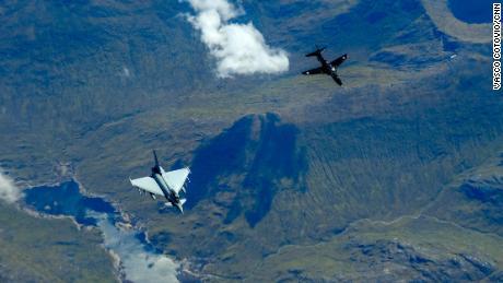 Самолет 22 стран-членов НАТО облетел все страны альянса за 12 часов.