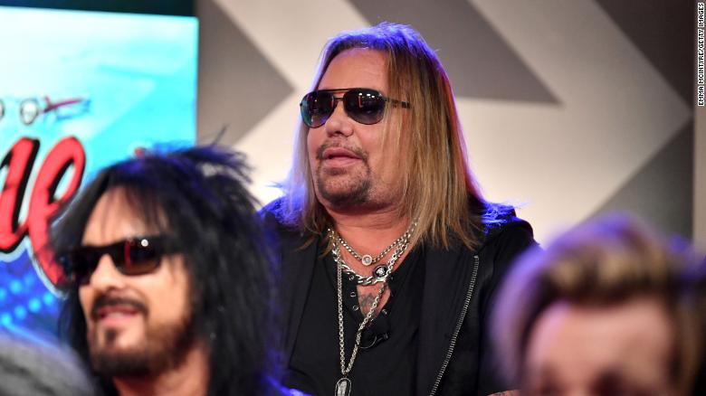 Vince Neil leaves stage, says voice is 'gone' during festival