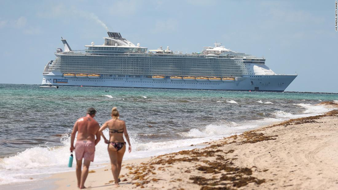 CDC lowers warning level for cruise travel