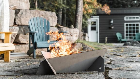 HBeeFire Large fireplace made of hot-rolled steel