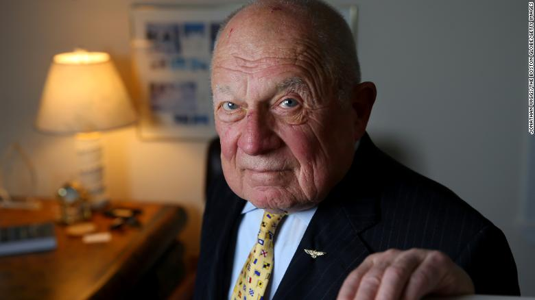 Famed trial lawyer F. Lee Bailey, whose clients included O.J. Simpson, dies