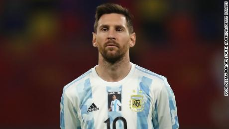 Lionel Messi and Argentina pay tribute to Diego Maradona in first match since legend's death